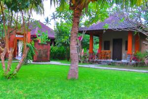 Suka Sari Cottages